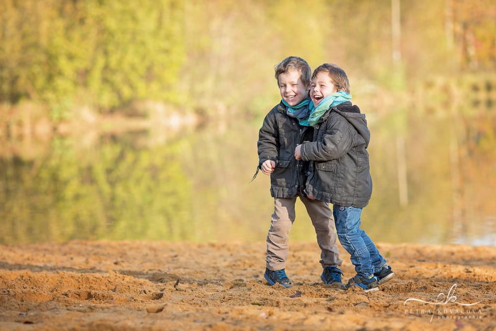 séance-photo-enfants-extérieur-plage-rennes-vern-sur-seiche